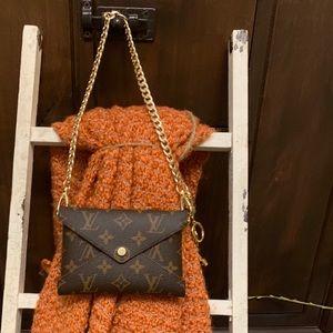 "♦️Gold Handbag 23"" chain"